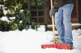 Tips on how to show a home during a snowstorm